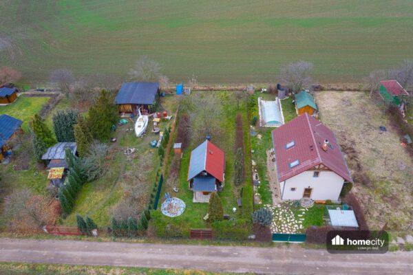 Fotografie chaty z dronu