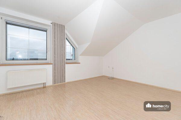 Obývací místnost prázdná