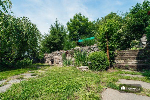 Okrasná zeď z kamenů
