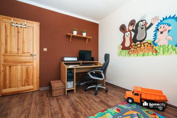 Dětský pokoj s PC koutem